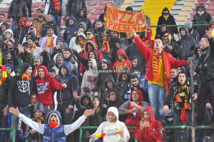 Messina-Savoia, in tremila sotto la pioggia