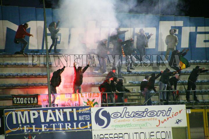 L'esultanza a Martina Franca dopo il  gol di Corona
