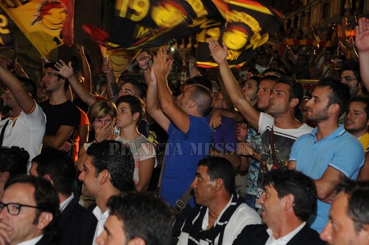 La gioia dei tifosi alla presentazione del Messina