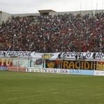 Curva stracolma nel derby con il Catania