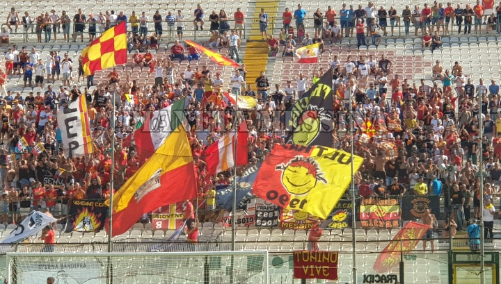 Tifosi Messina-Bari