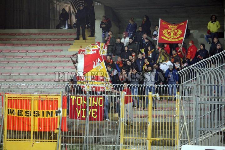 Tifosi a Lecce