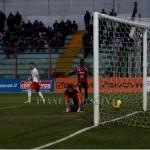 Iuliano battuto dal tiro di Mancini