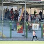 Bandiere e striscioni giallorossi ad Aversa