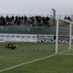 Berardi battuto da Improta. E' il gol del 2-1 della Vigor Lamezia