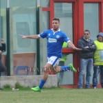 L'esultanza di Piccinni dopo il gol al Messina
