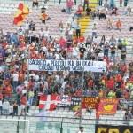 Striscione nella Sud durante il match con la Paganese