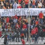 Striscione nella Sud durante Messina-Fondi