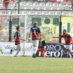 Mendicino del Cosenza  esulta dopo il gol