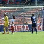 Le proteste dopo il calcio di rigore concesso al Messina