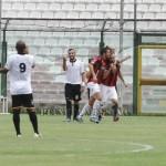 L'esultanza di Cavallaro dopo il gol del vantaggio della Nocerina