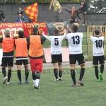 La gioia dei calciatori con i tifosi a Palazzolo