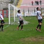 Esultanza di Pezzella e di due compagni dopo l gol